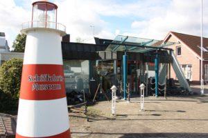 Schifffahrts-Museum mit Leuchtturmkl